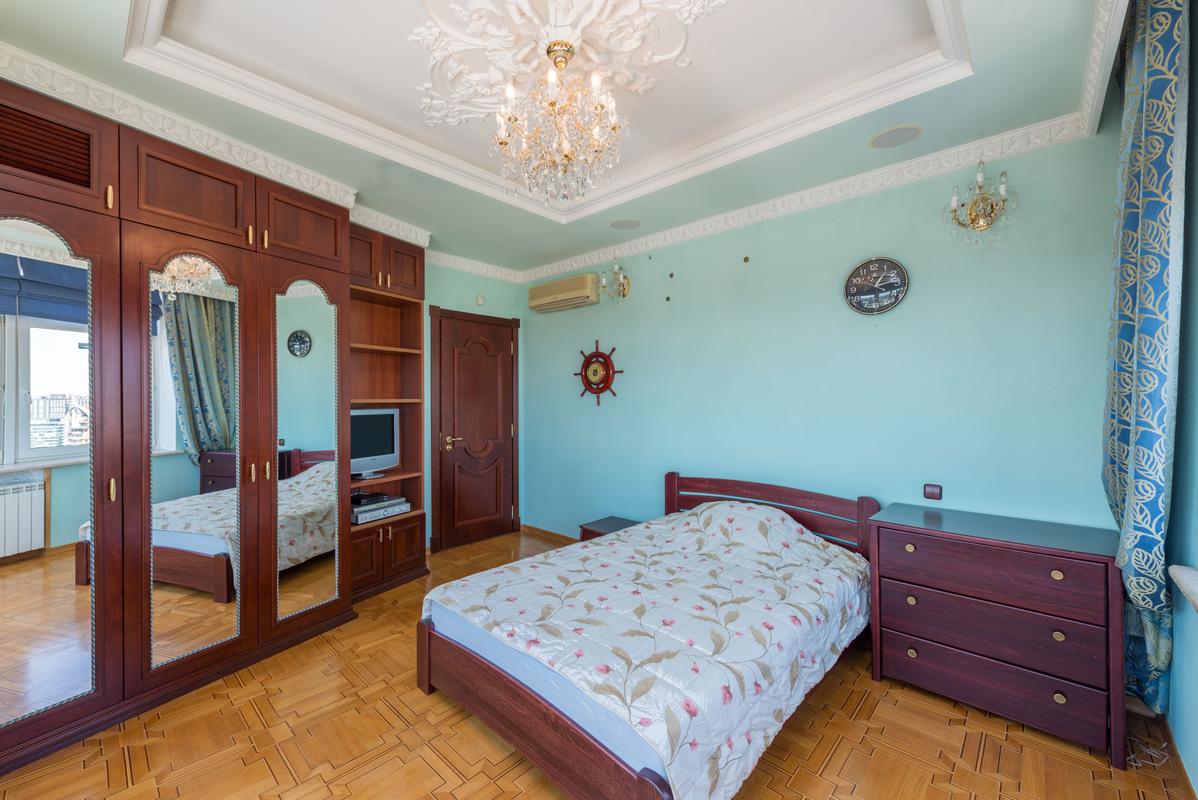 сдам 4-комнатную квартиру Киев, ул.Леси Украинки бульв., 23 - Фото 3